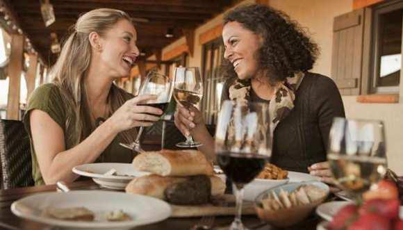 two women having dinner